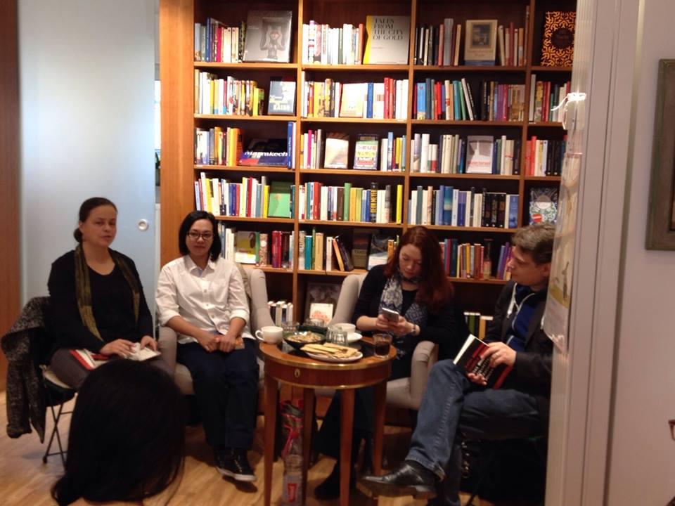 Reading in Weltenleser Book Shop, Frankfurt. (Photo by Dorte)