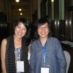 Clara Ng -seksi sibuk sekaligus pembicara workshop di Surabaya- dan Faye Yolody -salah satu peserta workshop-.