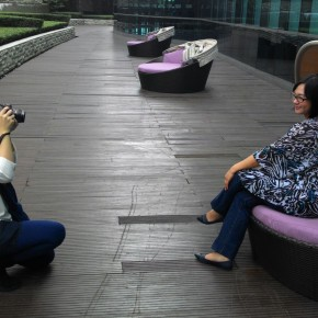 Behind the scene with Aelke Mariska  as photographer, at pool garden, Pullman Hotel Jakarta.