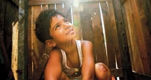 Salah satu adegan Slumdog Millionaire, ketika Jamal masih kecil.
